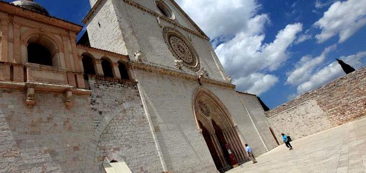 grande_chiesa_assisi